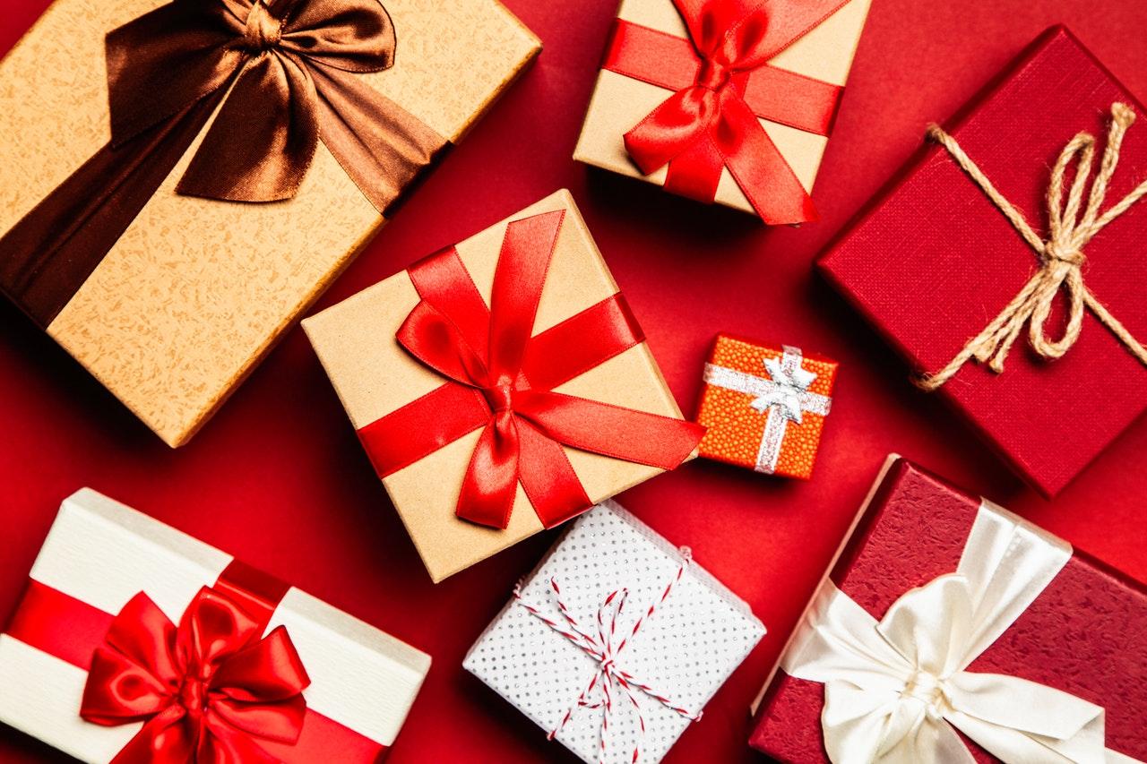pexels-giftpunditscom-1666065